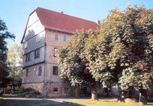Das Herrenhaus auf dem Rittergut vor der Sanierung.